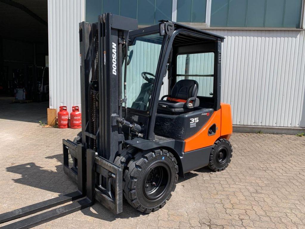Doosan-D 35 C-5 / 6.210 Std.-Diesel Forklift-www.mengel-gabelstapler.com