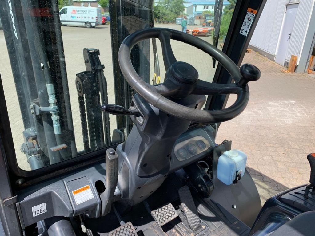Doosan-D 35 C-5 / 6.210 Std.-Dieselstapler-www.mengel-gabelstapler.de