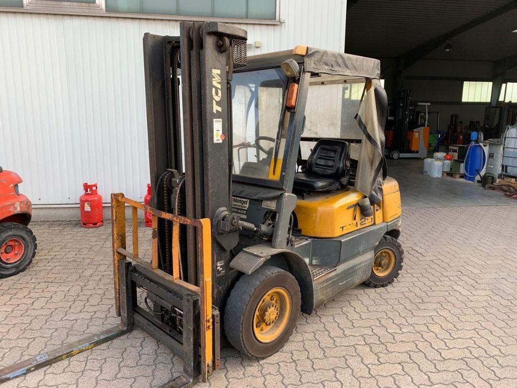 TCM-FD 25 Z 5-Diesel Forklift-www.mengel-gabelstapler.com