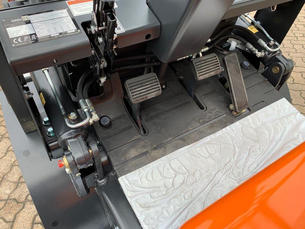 Doosan-D 30 GX Plus-Dieselstapler-www.mengel-gabelstapler.de