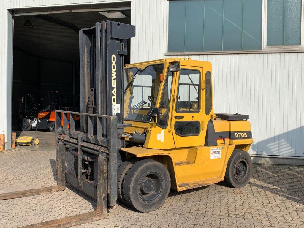 Daewoo-D 70 S-2 / 3.950 Std.-Diesel Forklift-www.mengel-gabelstapler.com