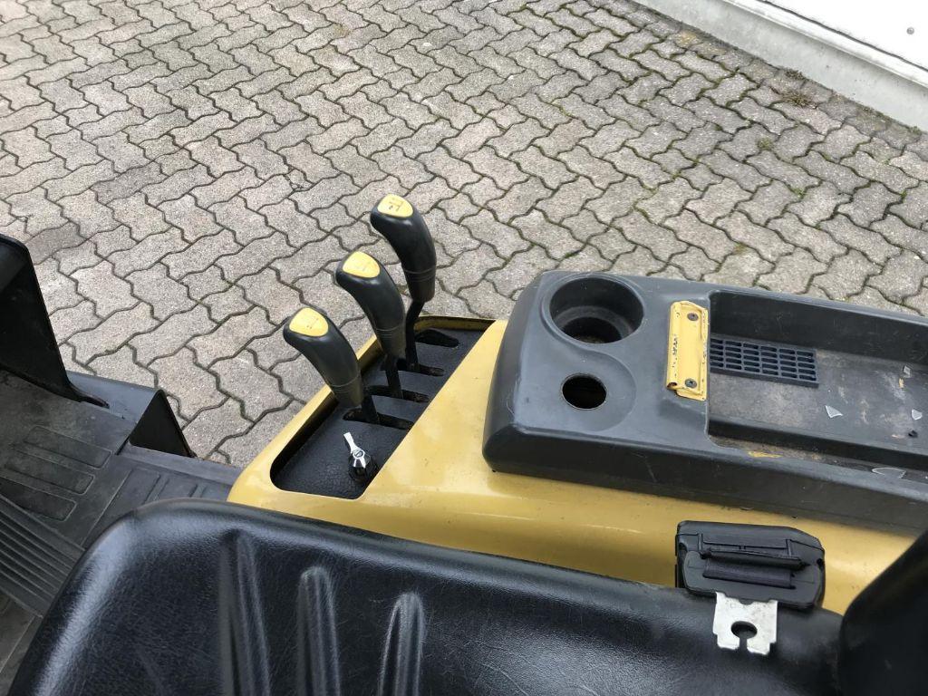 Daewoo-GC 32 P-3-Treibgasstapler-www.mengel-gabelstapler.de