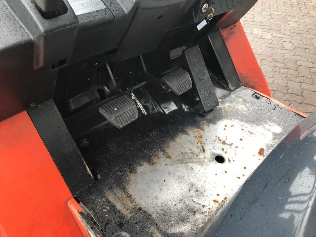 Toyota-02-7 FGF 30-Treibgasstapler-www.mengel-gabelstapler.de