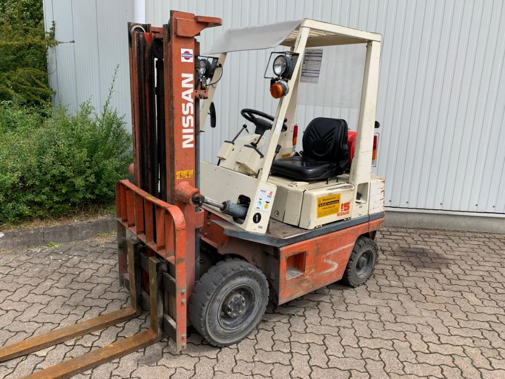 Nissan-PH01A15U / defekt-Treibgasstapler-www.mengel-gabelstapler.de