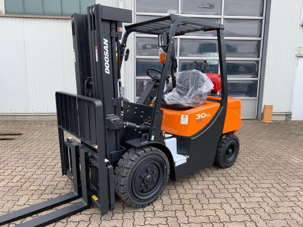 Doosan-G 30 GX Plus-LPG Forklifts-www.mengel-gabelstapler.com