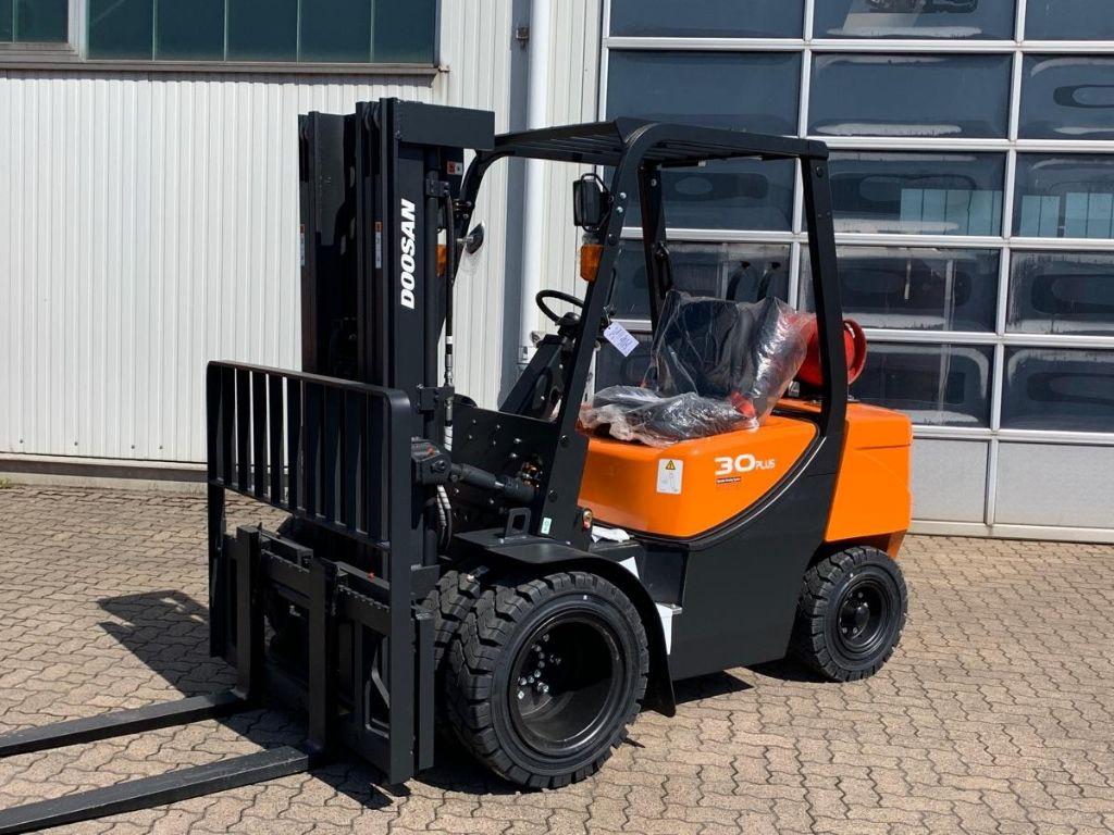 Doosan-G 30 GX Plus / Zwilling-LPG Forklifts-www.mengel-gabelstapler.com