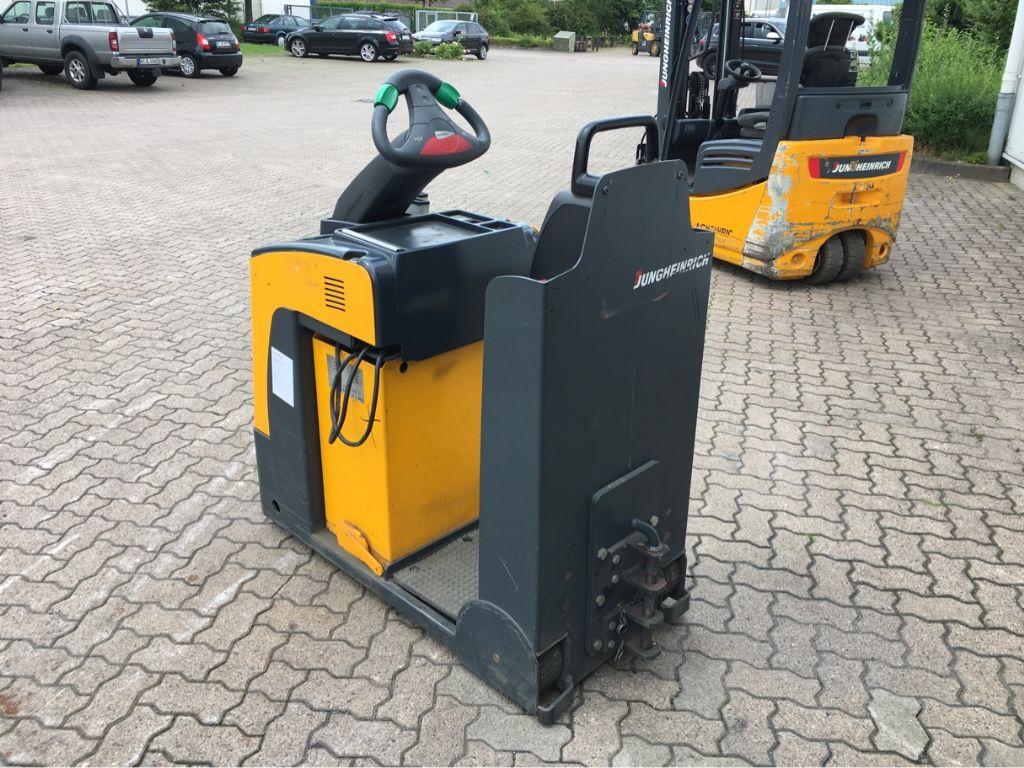 Jungheinrich-EZS 130 x-Tow Tractor-www.mengel-gabelstapler.com