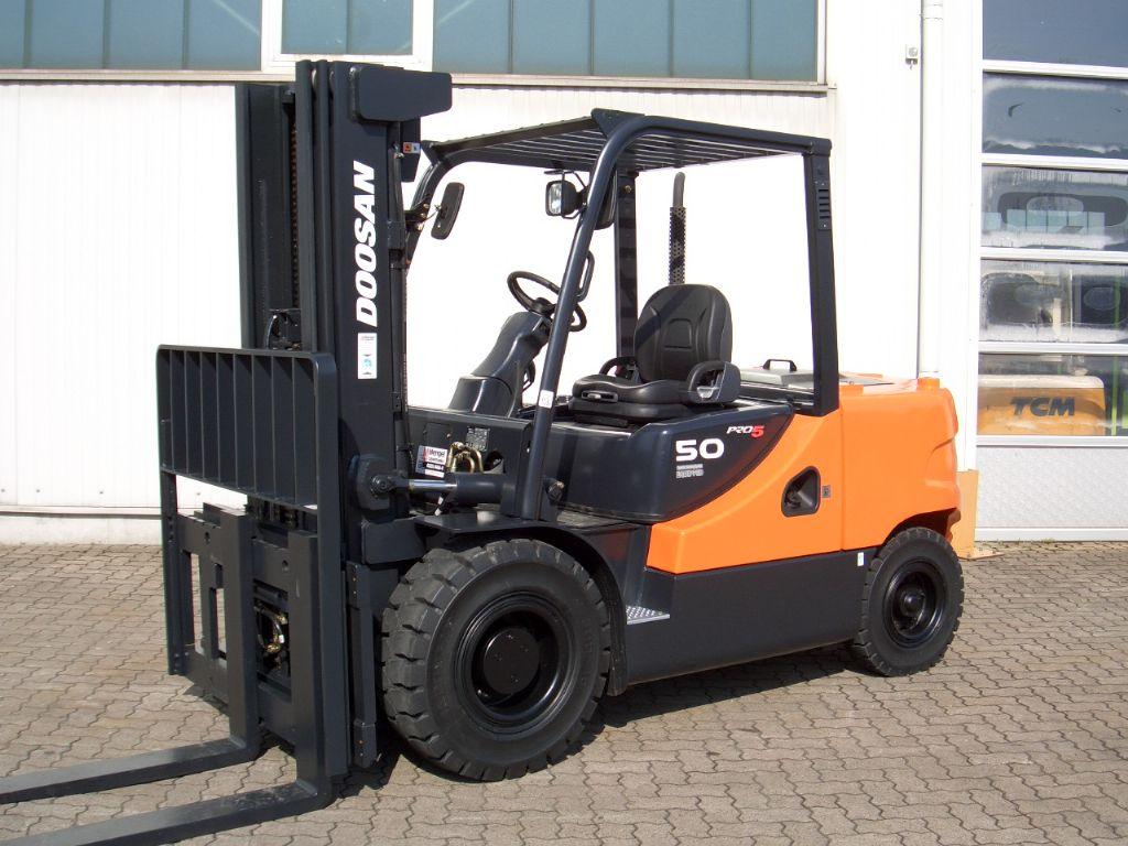 Doosan-D 50 SC-5-Diesel Forklift-www.mengel-gabelstapler.com