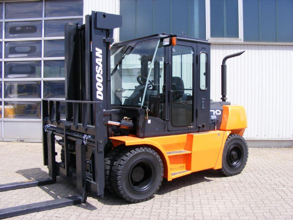 Daewoo-D 70 S-2-Diesel Forklift-www.mengel-gabelstapler.com