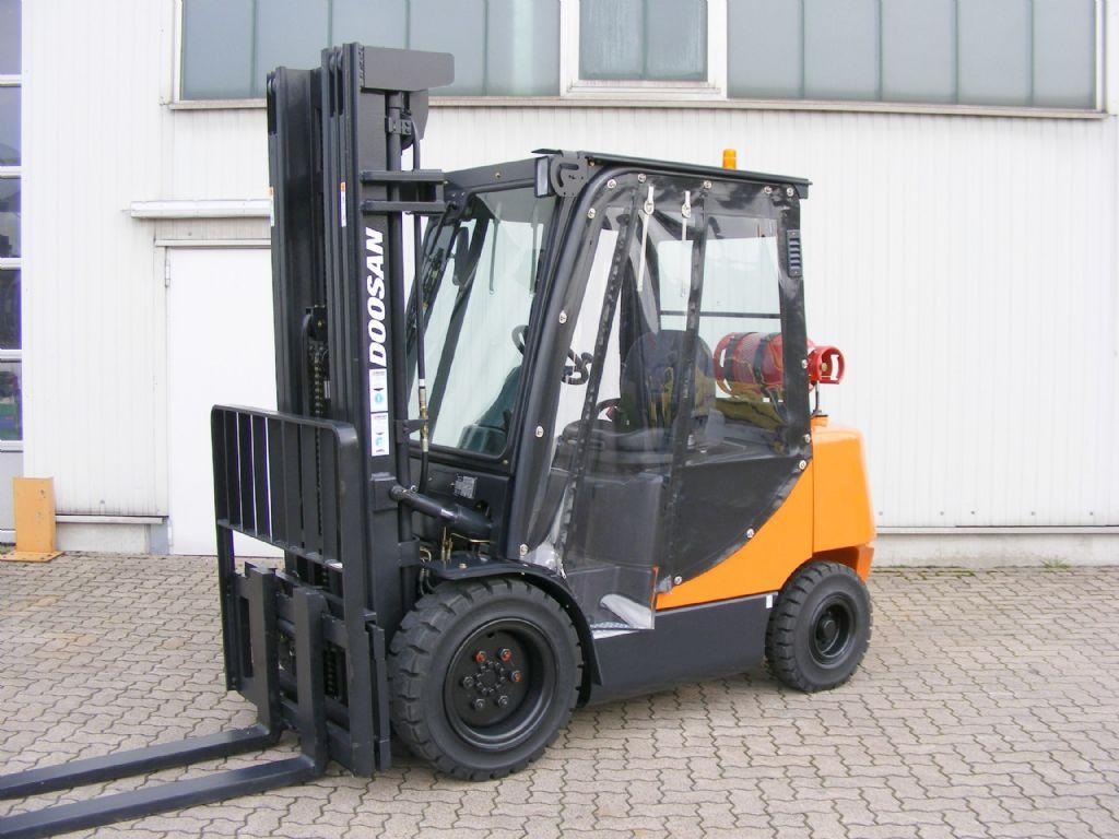Doosan-G 35 C-5-LPG Forklifts-www.mengel-gabelstapler.com