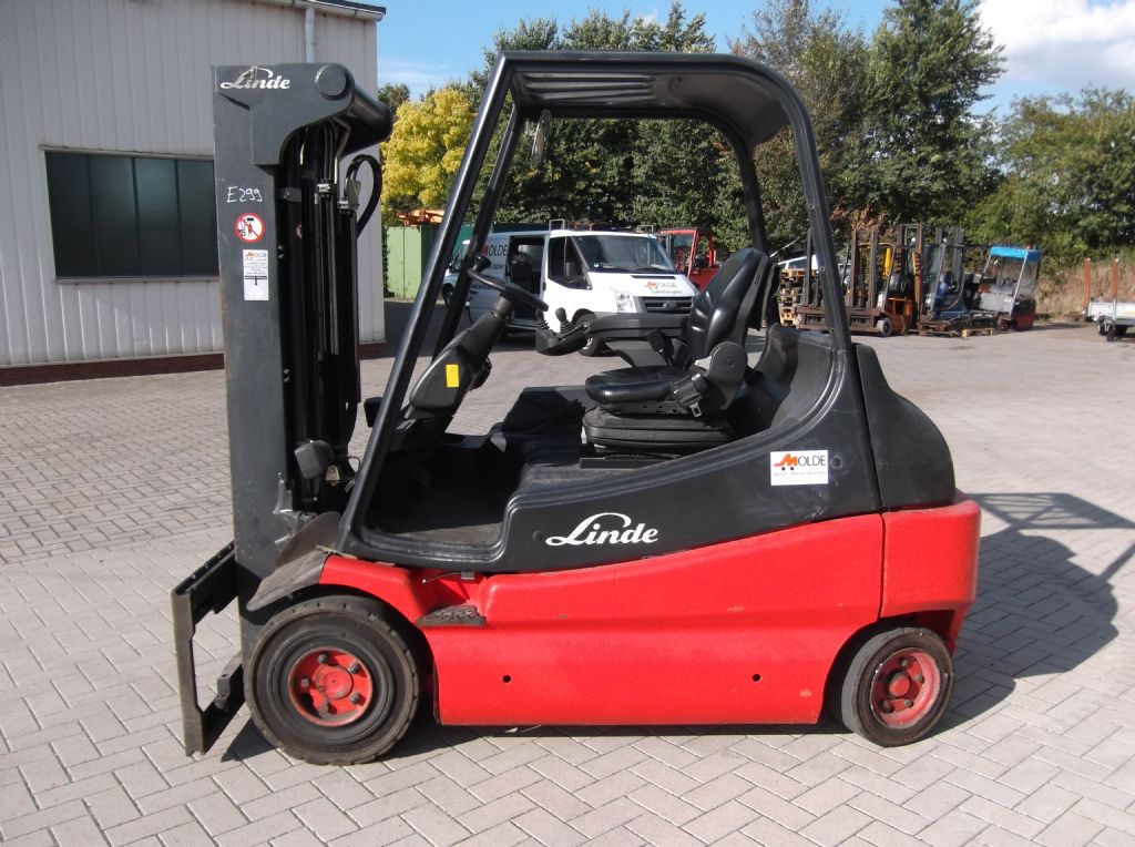 Linde-E30-Elektro 4 Rad-Stapler-www.gabelstapler-molde.de