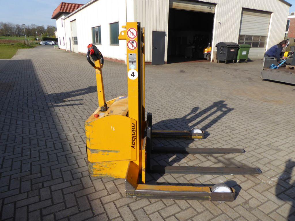 Genkinger-Hubtex--Deichselstapler-www.gabelstapler-molde.de