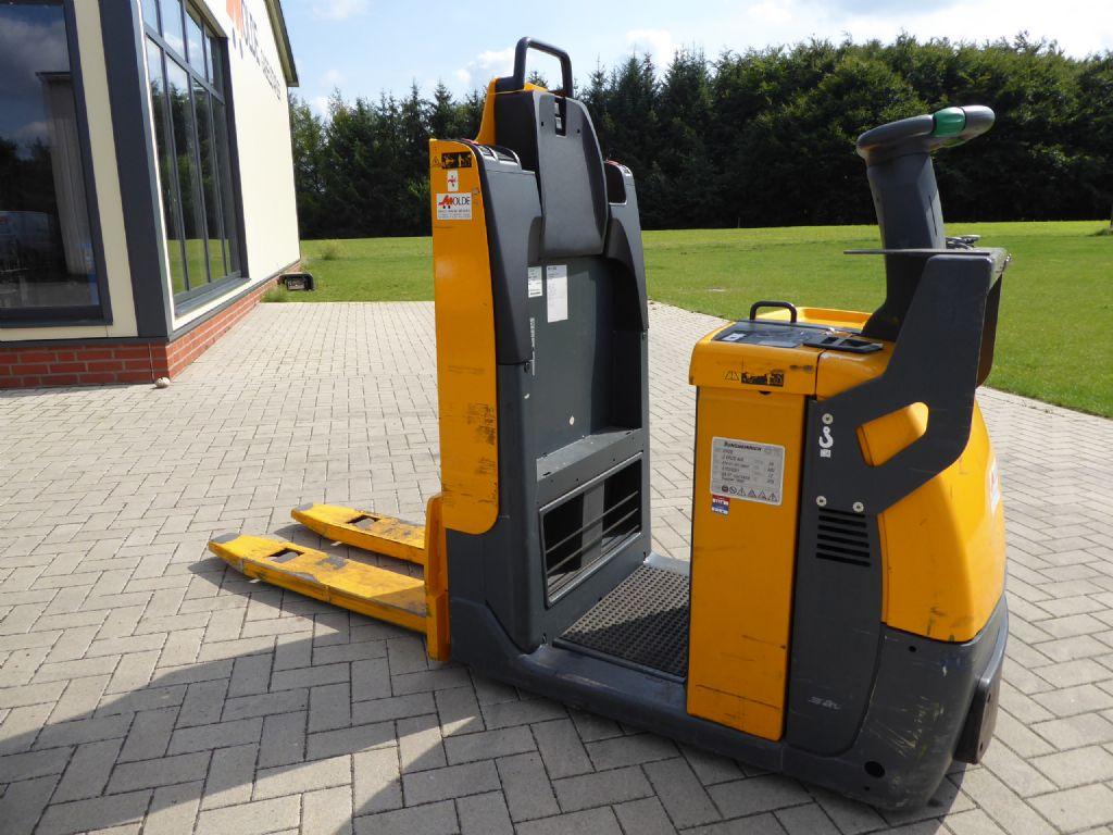 Jungheinrich-ECE 310-Niederhubkommissionierer-www.gabelstapler-molde.de