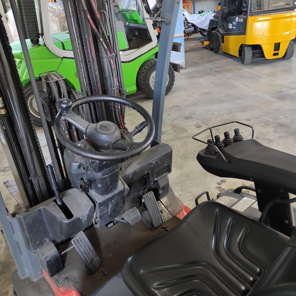 Toyota-7FBEF16-Elektro 3 Rad-Stapler-www.gabelstapler-molde.de