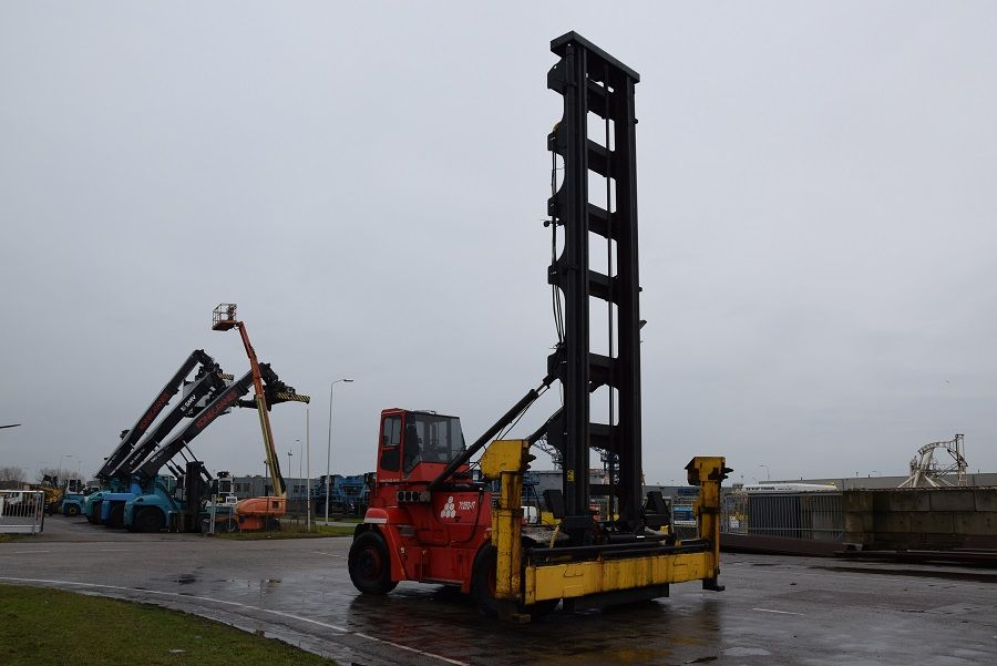SMV 6/7ECB100DS Empty Container Handler www.mtc-forklifts.com