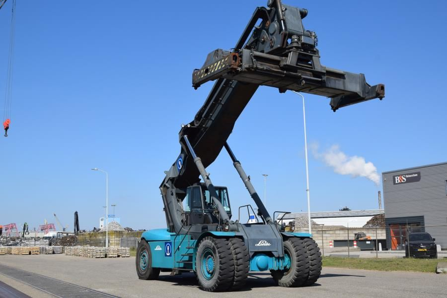 Linde C4535TL5 Full-container reach stacker www.mtc-forklifts.com