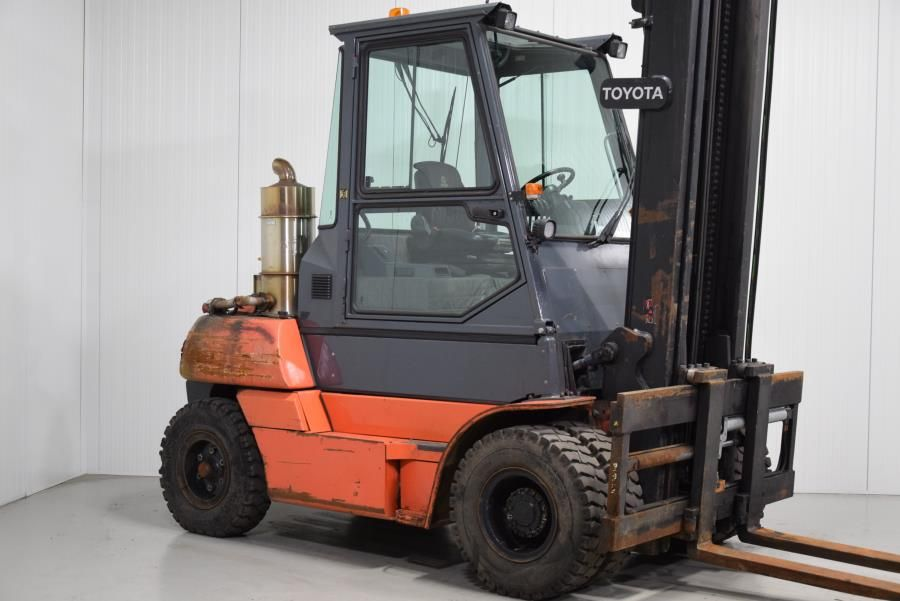 Toyota 50-5FD70 Diesel Forklift www.mtc-forklifts.com