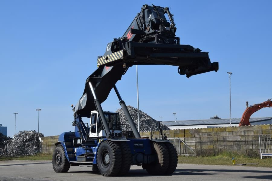 SMV 4531CB5 Full-container reach stacker www.mtc-forklifts.com