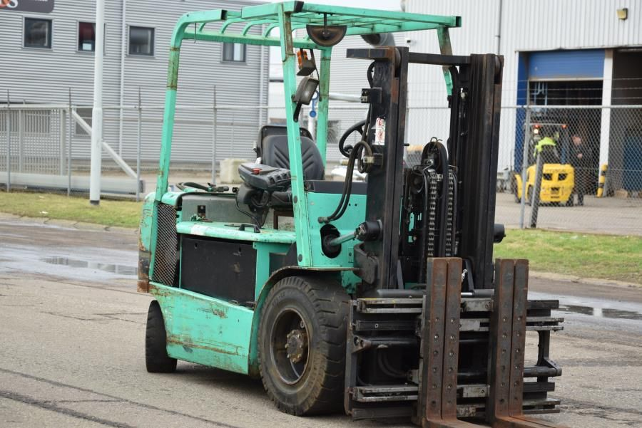 Mitsubishi FB35KPAC Electric 4-wheel forklift www.mtc-forklifts.com