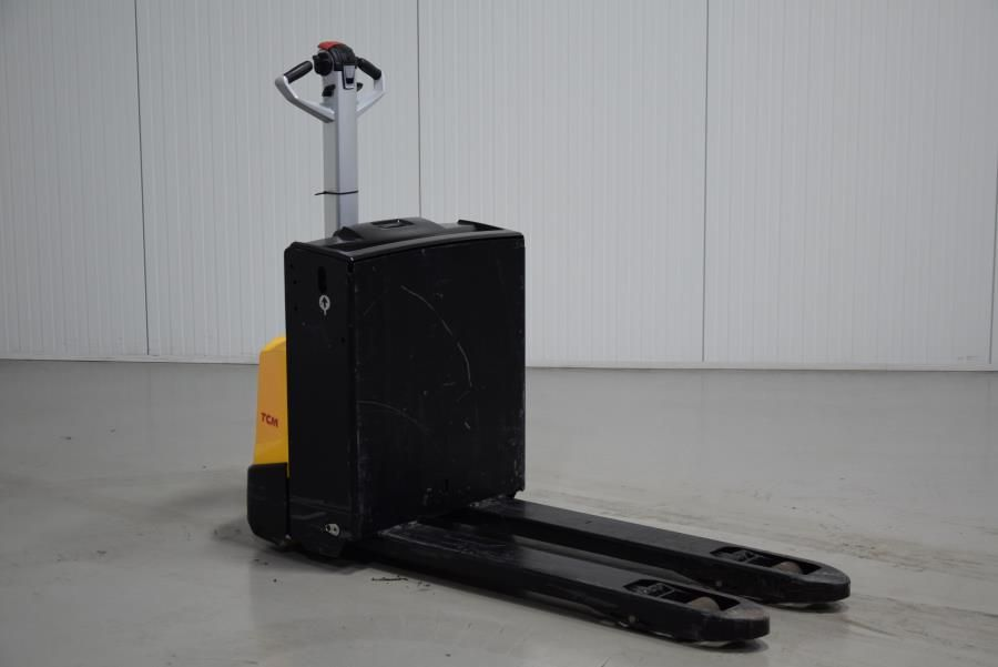 Unicarriers PAL160-F Electric Pallet Truck www.mtc-forklifts.com
