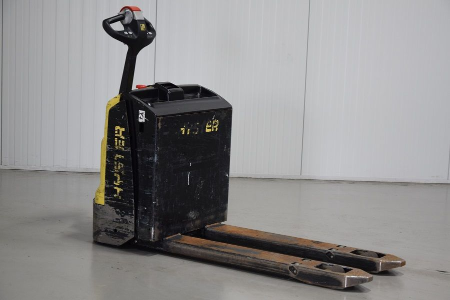 Hyster P1.8 Electric Pallet Truck www.mtc-forklifts.com
