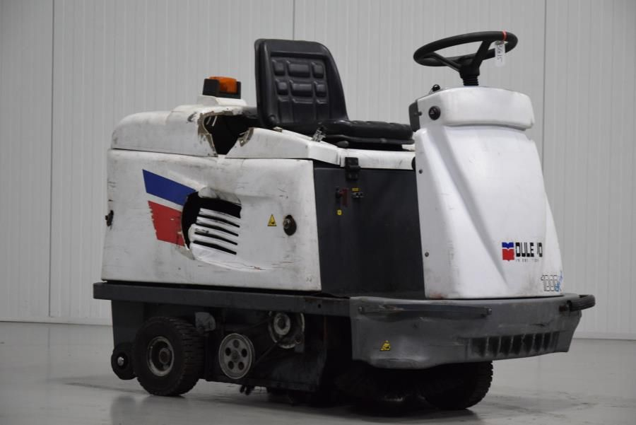 Dulevo 100SE Sweepers and vacuum cleaning machine www.mtc-forklifts.com