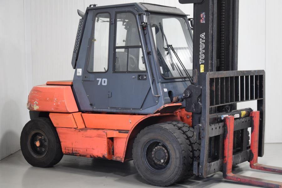 Toyota 5FD70 Diesel Forklift www.mtc-forklifts.com