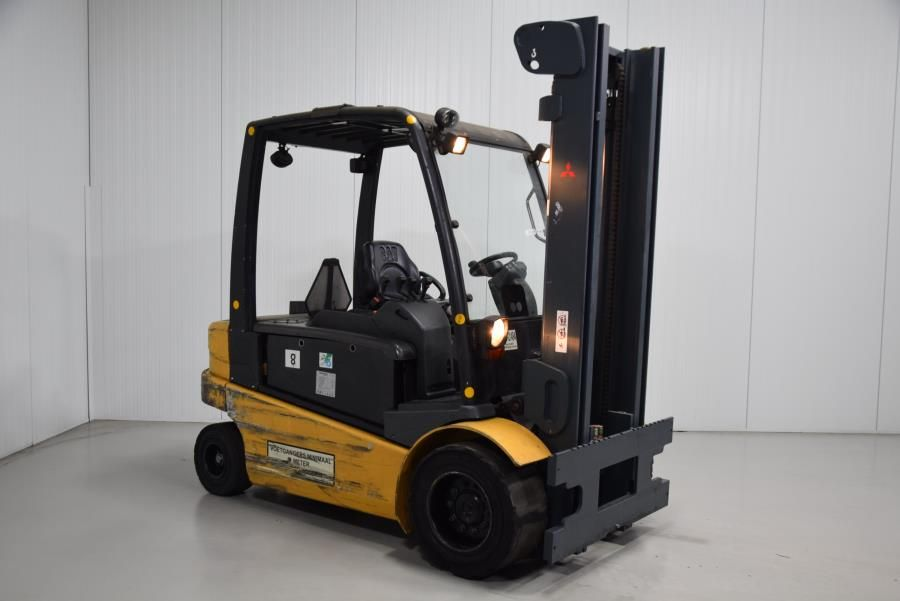 Caterpillar EP50 Electric 4-wheel forklift www.mtc-forklifts.com