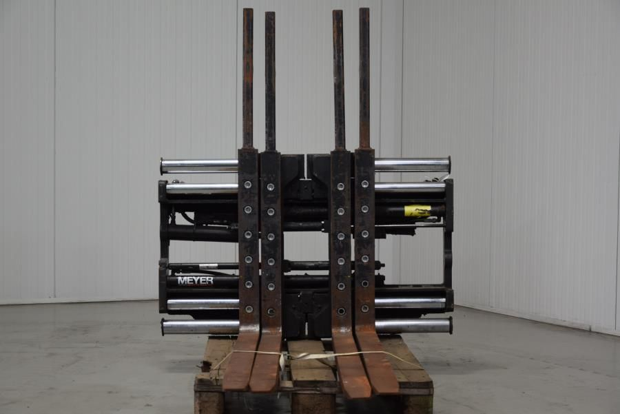 Meyer Double pallethandler Attachments www.mtc-forklifts.com