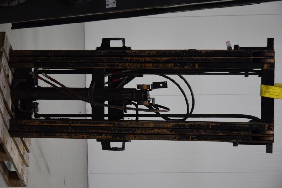 Toyota Triplex mast Attachments www.mtc-forklifts.com