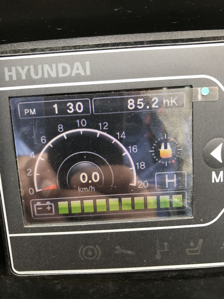 Hyundai-20BT-9-Elektro 3 Rad-Stapler-www.nikolic-gabelstapler.de