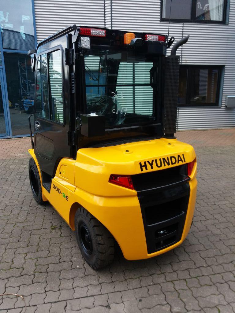 Hyundai-30D-9E TS470-Dieselstapler-www.nikolic-gabelstapler.de