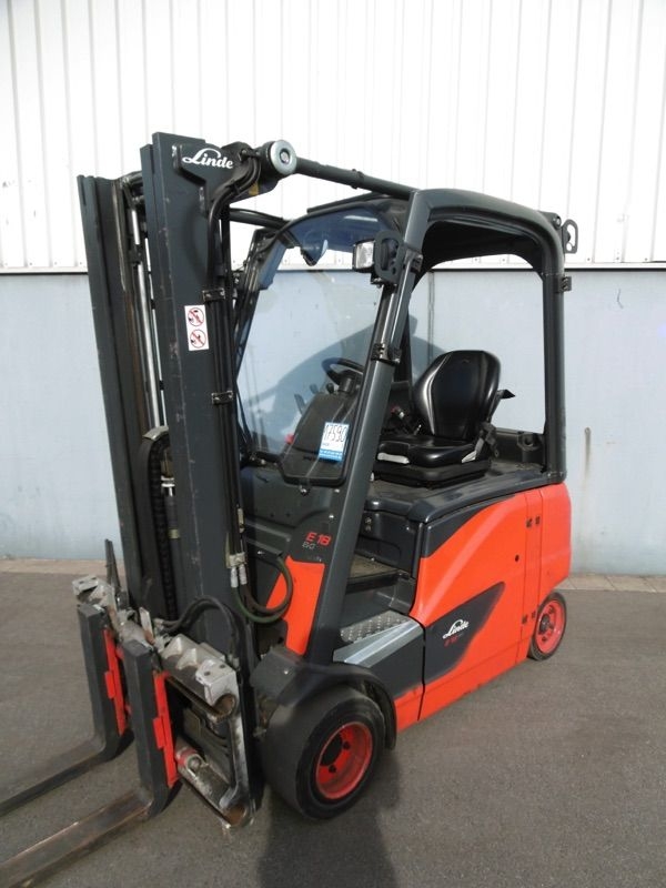 Linde E18PH-386-EVO Elektro 4 Rad-Stapler www.nortruck.de