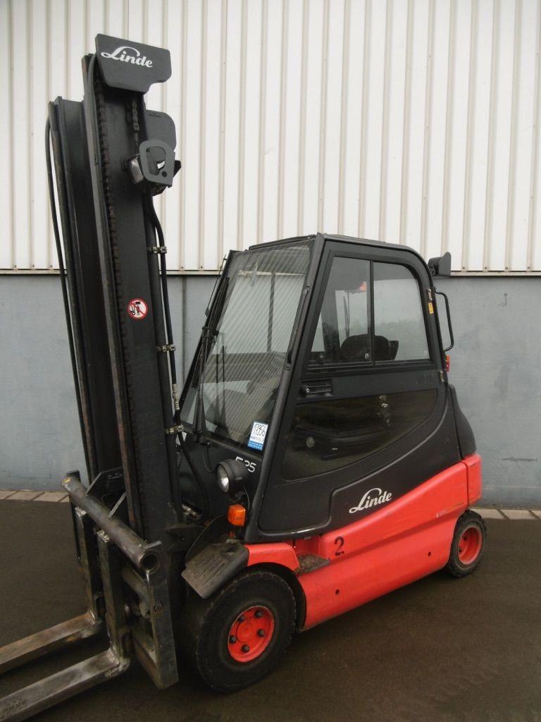 Linde E25-336 Elektro 4 Rad-Stapler www.nortruck.de