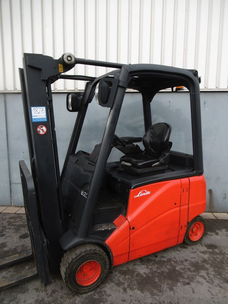 Linde E20PH-386 Elektro 4 Rad-Stapler www.nortruck.de