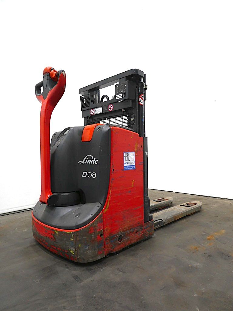 Linde D08-1160 Doppelstockstapler www.nortruck.de