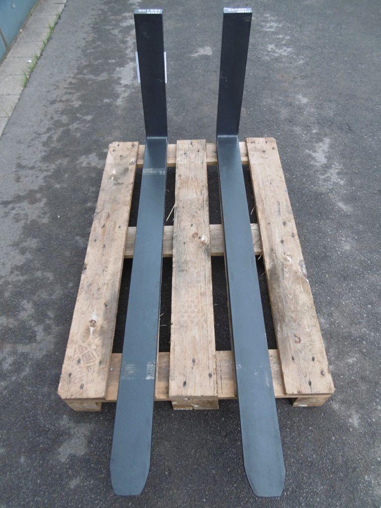*Sonstige Pd ISO2A 1400x100x40 Gabeln www.nortruck.de