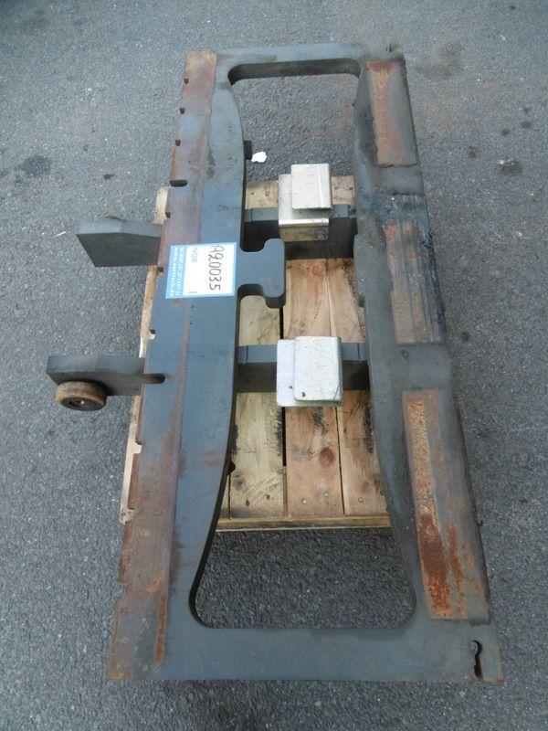 Linde Gabelträger für Triplex, M1523-387 Gabelträger www.nortruck.de