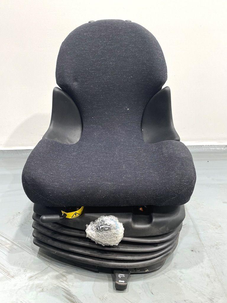 Grammer R16 Fahrersitz Stoff Kabinen, Sitze und Fahrerschutzdach www.nortruck.de