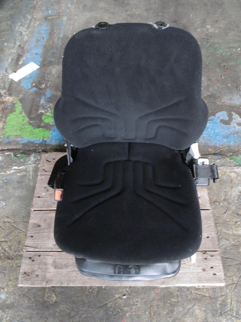 Grammer MSG85/721 Stoff  Kabinen, Sitze und Fahrerschutzdach www.nortruck.de