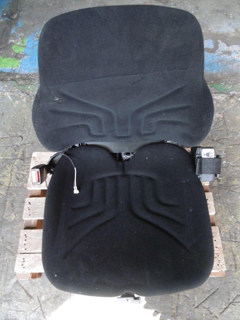 Grammer MSG 30 Stoff Kabinen, Sitze und Fahrerschutzdach www.nortruck.de