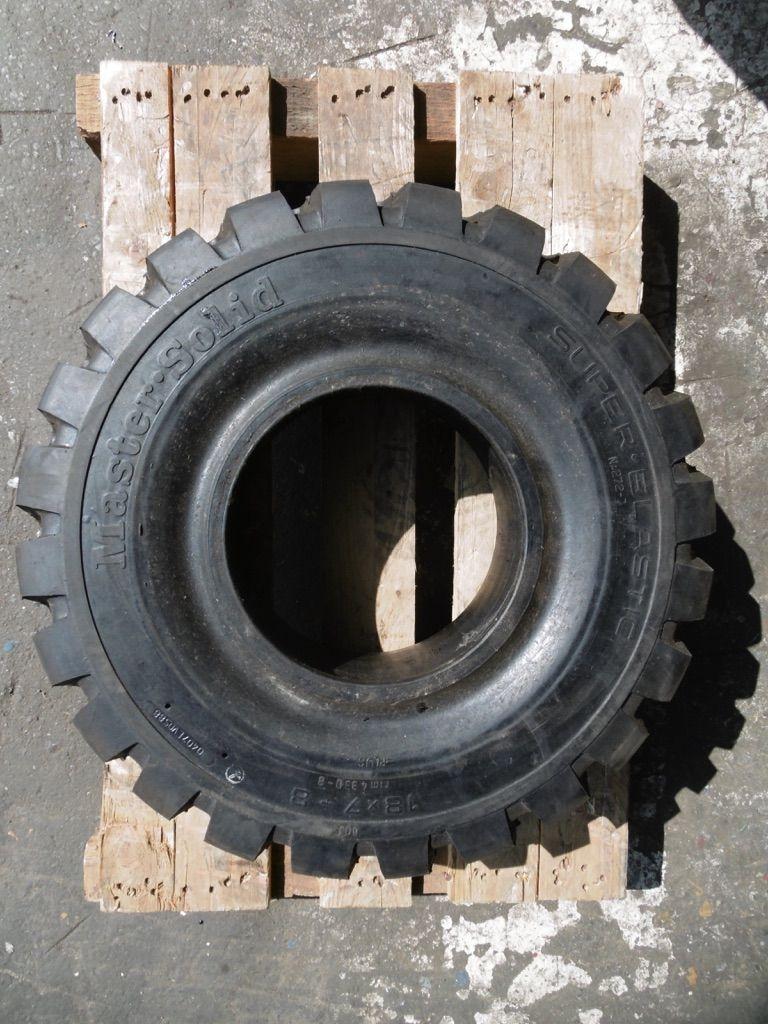 *Sonstige Master Solid Reifen www.nortruck.de