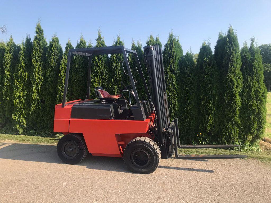 Linde H25 Dieselstapler www.peinbauer-service.at