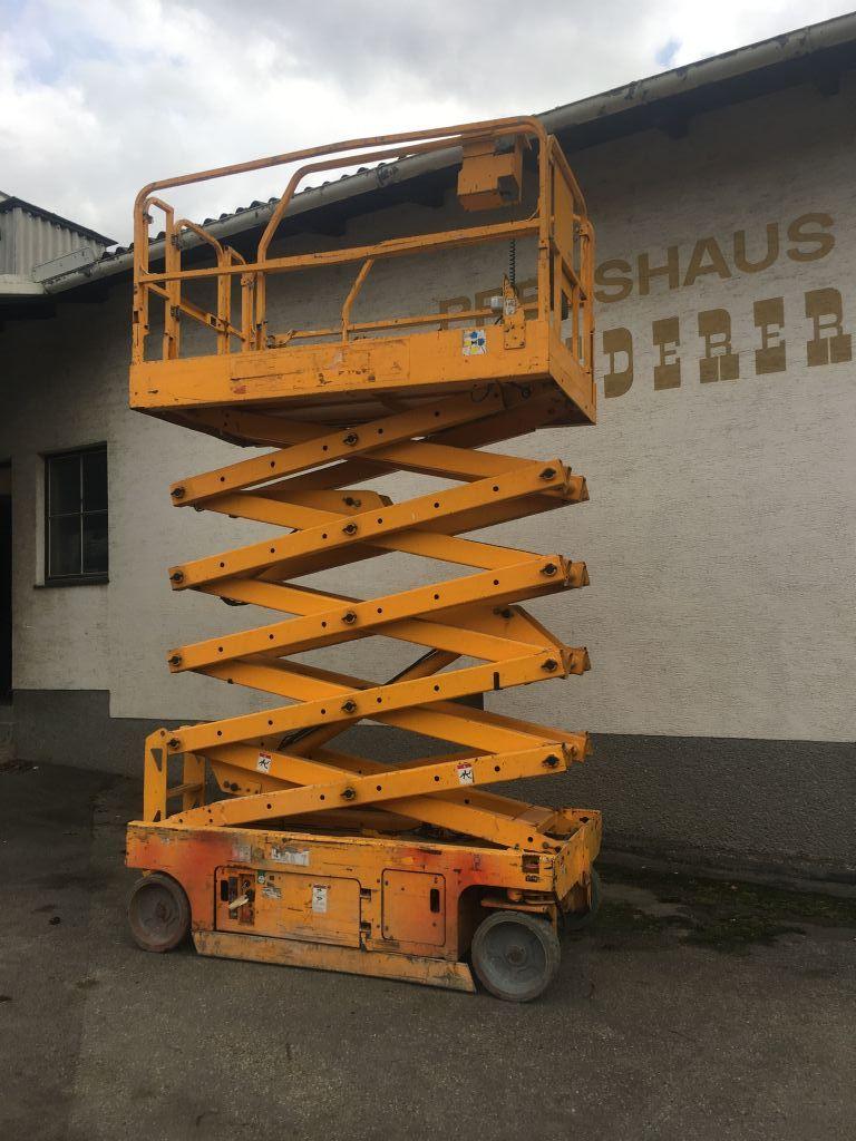 Genie Gs 3246  Scherenarbeitsbühne www.peinbauer-service.at