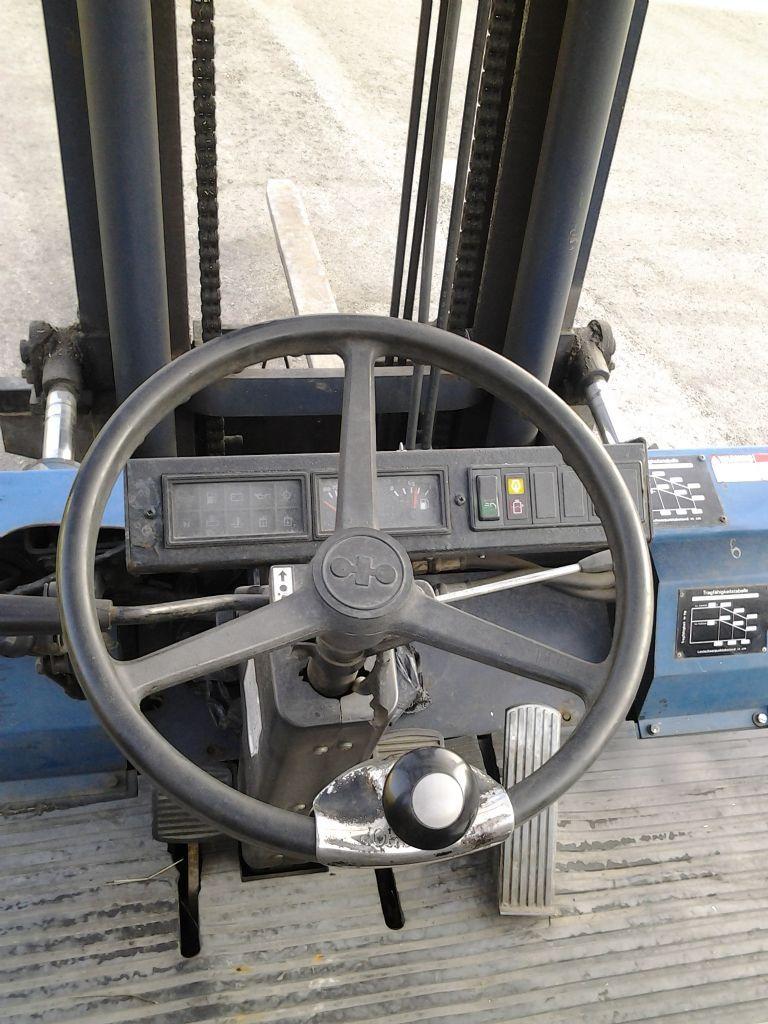 Komatsu-FD45TE-Dieselstapler-www.staplertechnik.at