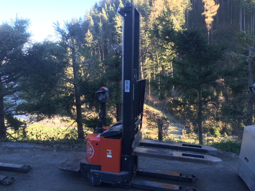 BT SWE 120 High Lift stacker www.staplertechnik.at