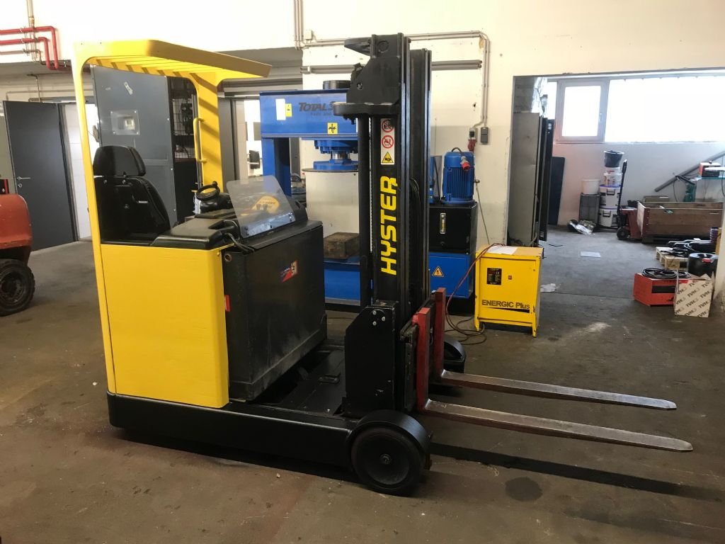Hyster R2.0 Reach Truck www.staplertechnik.at