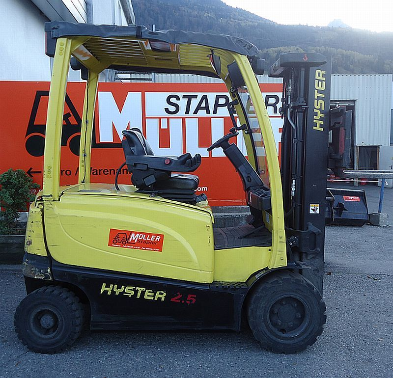 Hyster J 2.5 XN Electric 4-wheel forklift www.staplertechnik.at