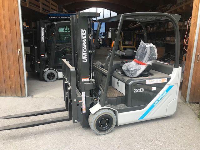 UniCarriers TX 3 20L Electric 3-wheel forklift www.staplertechnik.at