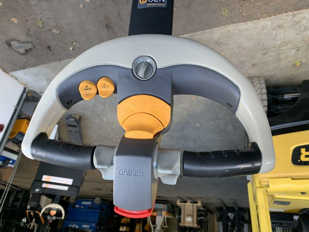 Crown ESi 4000 1.6TT High Lift stacker www.staplertechnik.at
